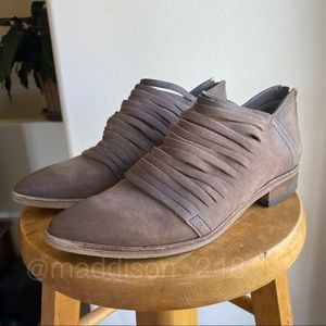 FREE PEOPLE Lost Valley Leather Ankle Booties 40